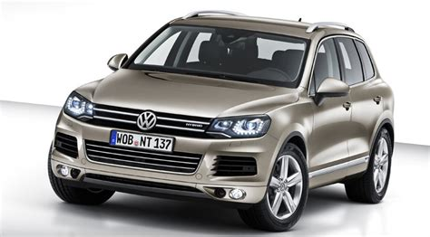how to learn everything about cars 2010 volkswagen passat on board diagnostic system vw touareg 2010 first official photos by car magazine