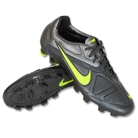 nike football shoes ctr360 nike ctr360 maestri ii fg football boots review