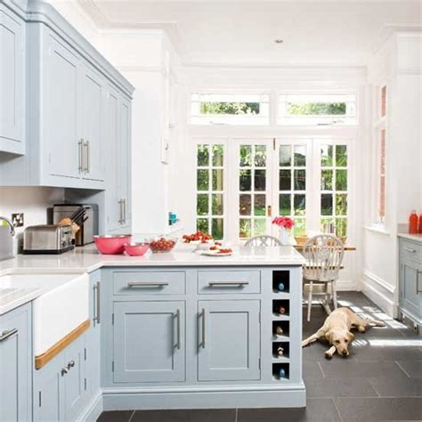 Take A Tour Around A Traditional Painted Kitchen With Practical Kitchen Design