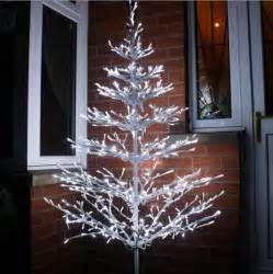 lighted outdoor trees decorating your outdoor tree