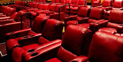 Theaters With Recliners In Ma by New Bar At Amc Dartmouth 11 To Stay Open Later Special