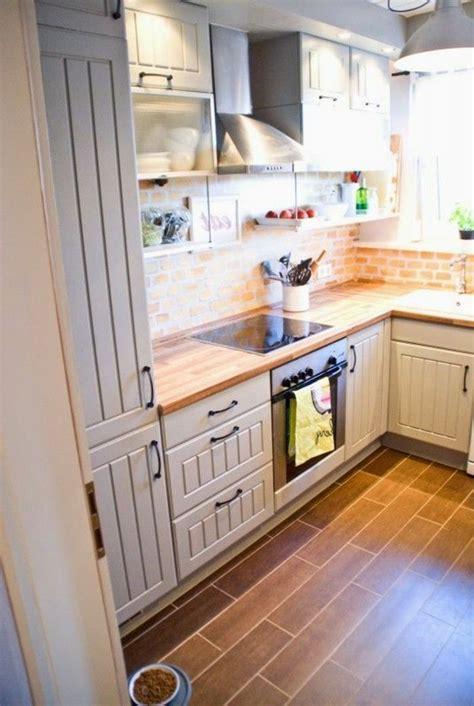 comment am駭ager une cuisine 17 meilleures id 233 es 224 propos de cuisine avec sol en