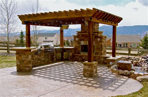 outdoor kitchen ideas barbecue grills under pergola