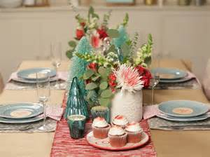 Retro Glass Vases 2 Simple Holiday Table Settings Hgtv Crafternoon Hgtv