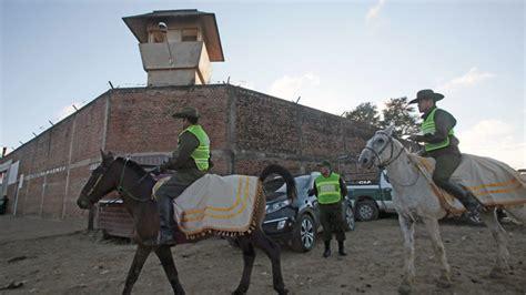 imágenes impactantes muerte de un ex policia fotos impactantes seis presos murieron durante un
