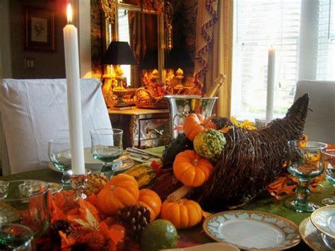 10 ways to organically decorate your thanksgiving home