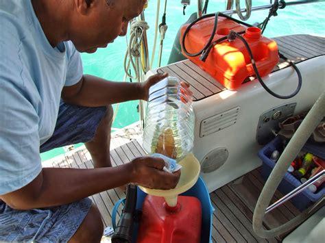 buitenboordmotor slaat af acapella at sea carburateur