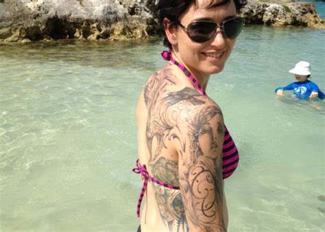 lena headey tattoo lena headey shows back flying a fargo
