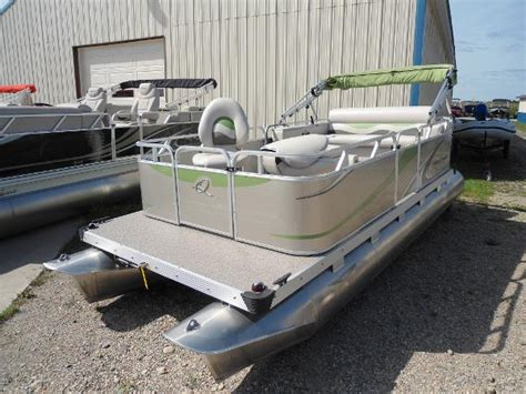 used gillgetter pontoon boats for sale in michigan 2013 used apex marine 615 fish n cruise pontoon boat for