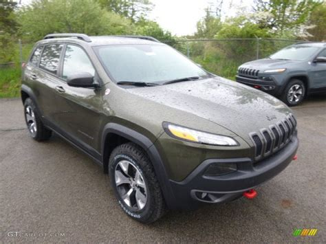 Jeep Cherokee Trailhawk Eco Green Car Interior Design