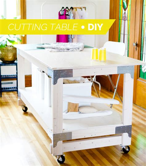 Diy Sewing Table by 12 Diy Sewing Table Tutorials