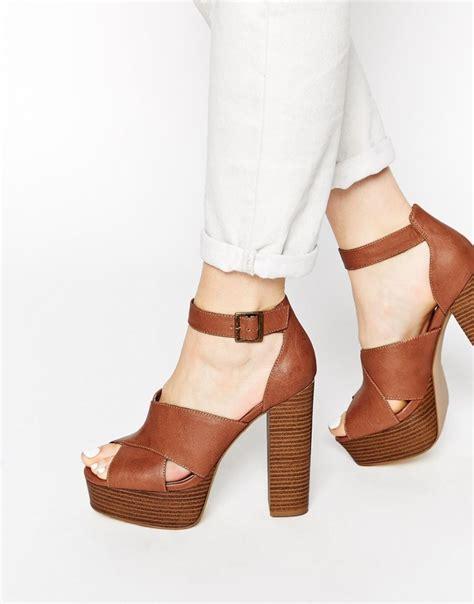 brown sandal heels brown chunky heel sandals qu heel