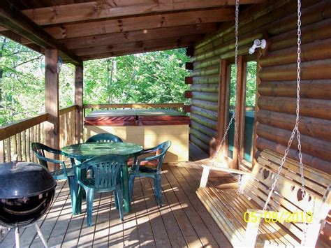 Cabins To Rent In Pigeon Forge Or Gatlinburg Tn by Cabin For Rent Between Gatlinburg Pigeon Forge Page 2