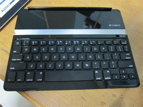 Keyboard Logitech Ultrathin goondu review logitech ultrathin keyboard cover techgoondu techgoondu