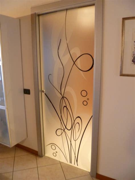 porta decorata foto porta in vetro decorata di vetrivart 168321