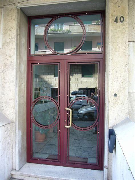portoni d ingresso in ferro cancelli condominiali portoni in ferro o m c m infissi roma