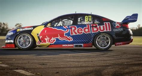 Red Bull Racing unveils 2016 livery   Speedcafe