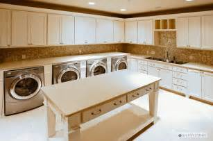 House Plans With Large Laundry Room by You Will Want This If You Have A Big Family The Home