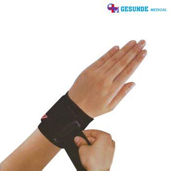 Pelindung Pergelangan Tangan Fitnes Olahraga harga alat pelindung pergelangan tangan jual wrist support toko medis jual alat kesehatan