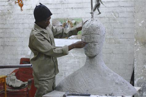 membuat kerajinan patung gambar monumen patung kerajinan membuat seni