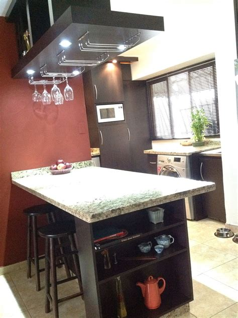 meson  repisa lateral funcional en  area de cocina