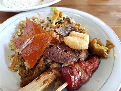 tempat makan babi guling  enak  bali