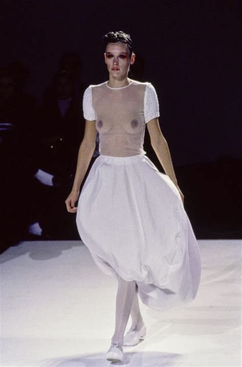clean fashion the minimalism movement fashionbwithyou quiet but powerful minimalism in fashion