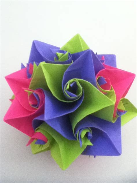 Worlds Hardest Origami - i m hopelessly addicted to folding paper page 1