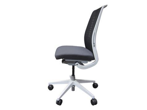 fauteuil de bureau steelcase fauteuil steelcase think v2 mod 232 le d expo adopte un bureau