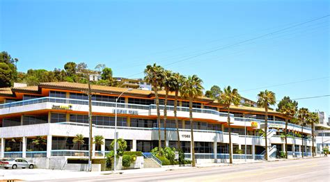 Pch Spectrum - spectrum building at pch and sunset sells for 36 7 million