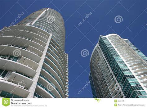 imagenes edificios miami edificios modernos de miami foto de archivo libre de