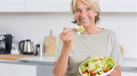alimentazione e menopausa alimentazione e menopausa regole per una vita pi 249 serena