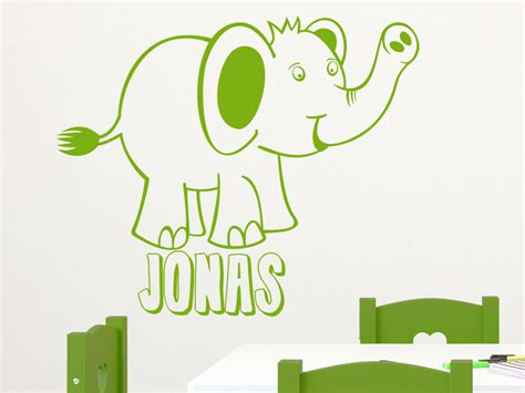 wandtattoo kinderzimmer anbringen wandtattoo elefant mit wunschname wandtattoo net