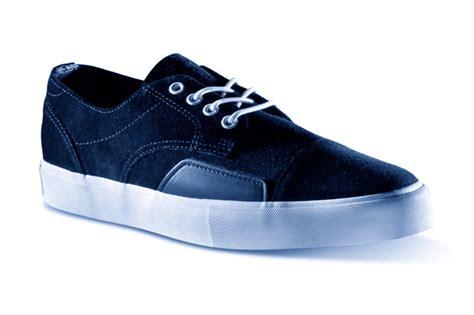 Sepatu Vans X Supreme luke footwear