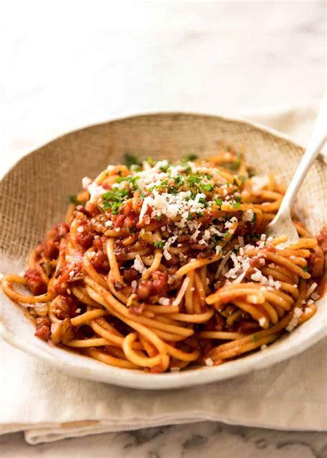 calories   bowl  pasta  tomato sauce