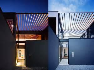 Open Trellis Minimalist Pergola House Has An Open Trellis Roof That