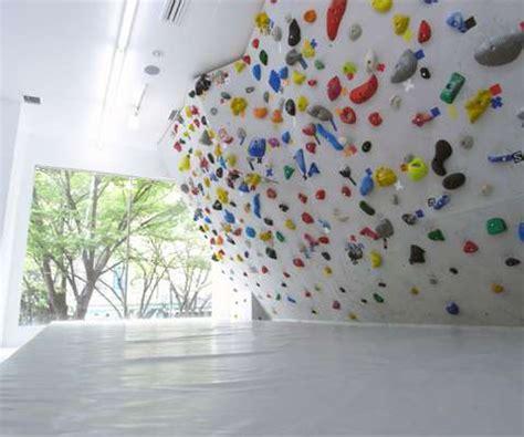 colourful climbing walls pekipeki  tokyo lets customers