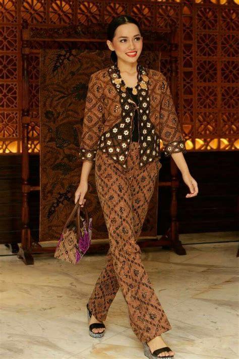 dress batik modern yetta 25 best ideas about kebaya on kebaya muslim