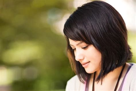 haircuts for blunt nose best 25 thick hair bobs ideas on pinterest medium bobs