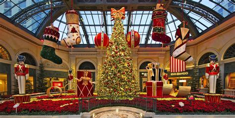 see how vegas bellagio and palazzo try to outdazzle each