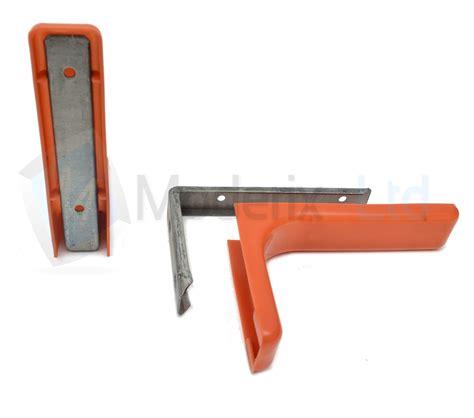 staffe per scaffali staffa di metallo per scaffale con coperchio in plastica