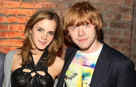 film con emma watson e rupert grint emma watson and rupert grint dish on harry potter kiss