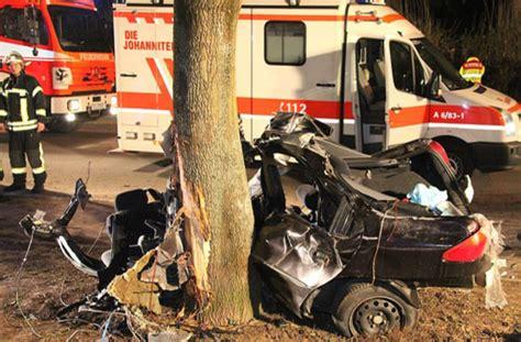 Auto Ummelden Kosten Offenburg by Zuffenhausen Vollgas Kostet Zwei Menschenleben