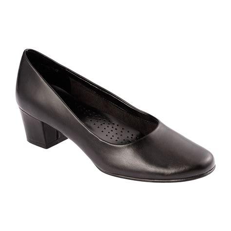 comfortable womens pumps i love comfort women s low heel pump layla black