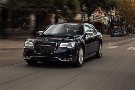Chrysler 300s 2017 Chrysler 300 Reviews And Rating Motor Trend