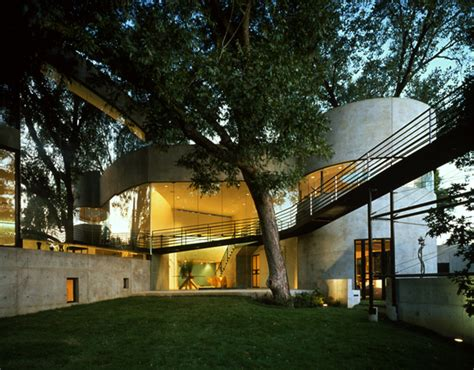 creek house does the minimalist contemporary modern style for homes just not go over well in