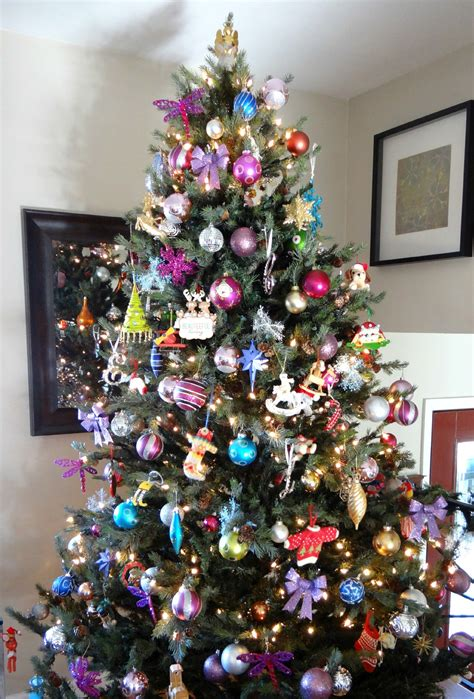 christmas tree without lights 5 tips on buying pre lit trees beauteeful living