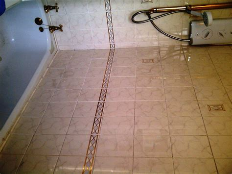 cleaning bathroom floor tiles cleaning bathroom tile and grout cleaning and