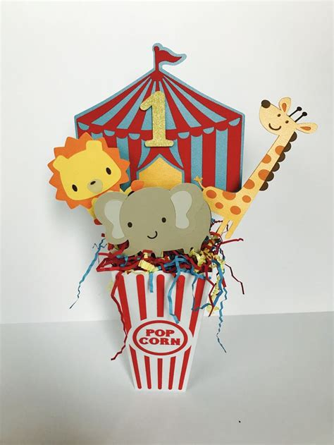 circus centerpieces 25 best ideas about carnival centerpieces on