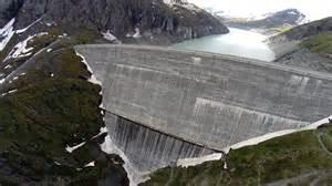 drone phantom dj suisse valais barrage de la dixence